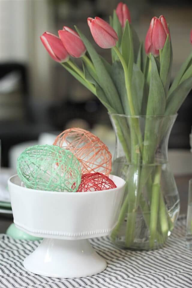 яйца из ниток и клея пва