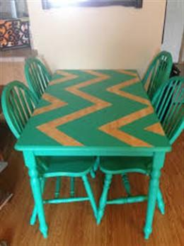 как красиво покрасить кухонный стол