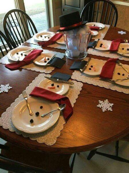 как украсить праздничный стол в домашних условиях фото